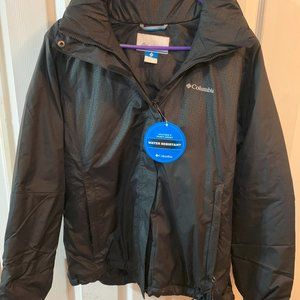 Woman's Cloumbia water resistant jacket